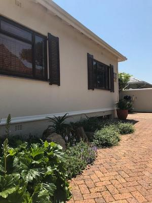 Property For Rent in Vredehoek, Cape Town