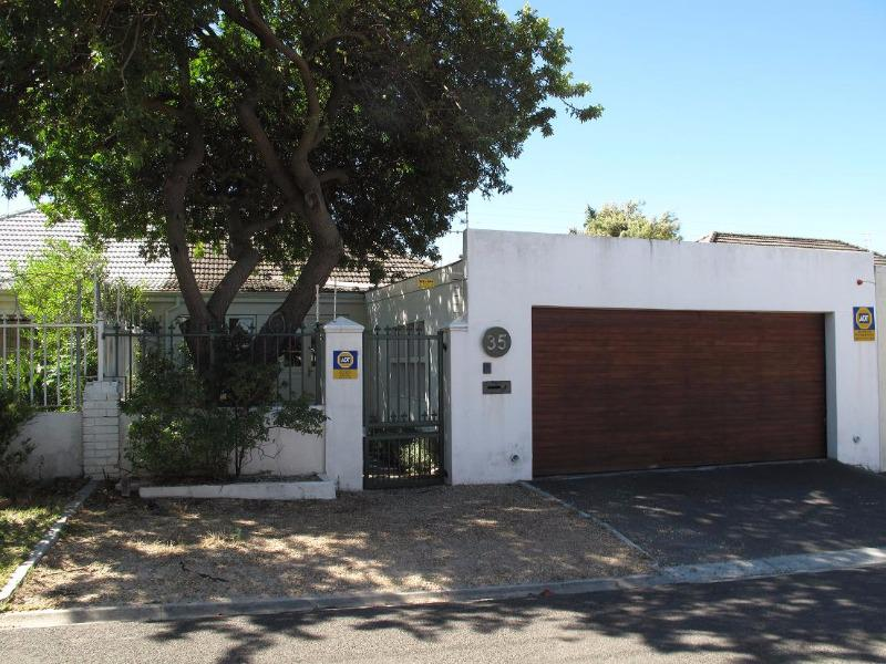 Property For Sale in Rondebosch Park Estate, Cape Town 1
