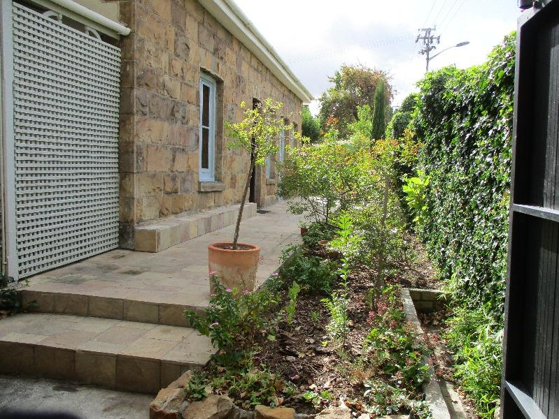 Property For Sale in Rondebosch, Cape Town 8
