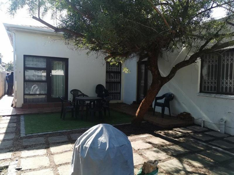 Property For Rent in Claremont, Cape Town 13