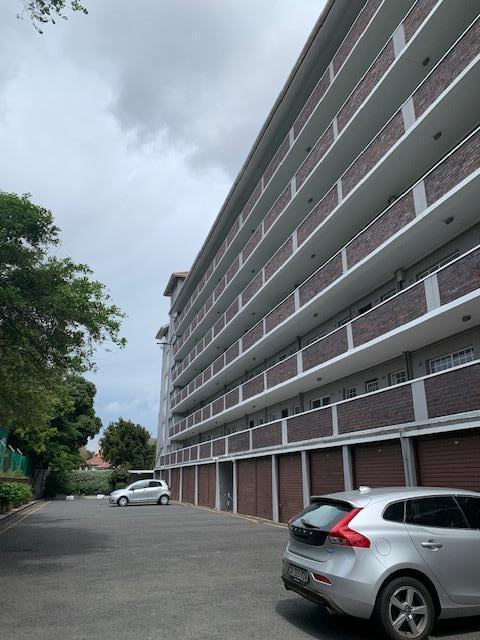 Apartment / Flat For Rent in Rondebosch, Cape Town